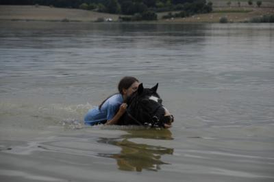 Baignade au lac de l'Astarac (32) - Johanna et Florette